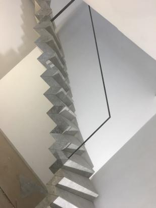 scala rivestita interamente di gres