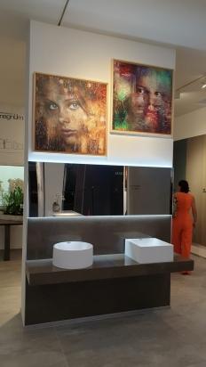 Piano lavabo realizzato con lastre lucide FMG 150x300