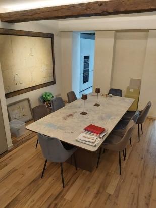 tavolo realizzato con lastra Archeologie Cedit