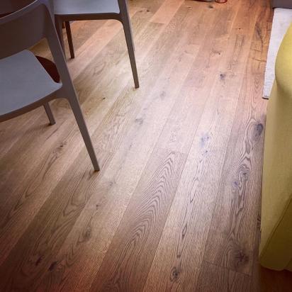 plancia di parquet rovere tinto, abitazione privata Piacenza