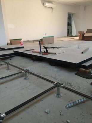 posa struttura e pavimento ispezionabile