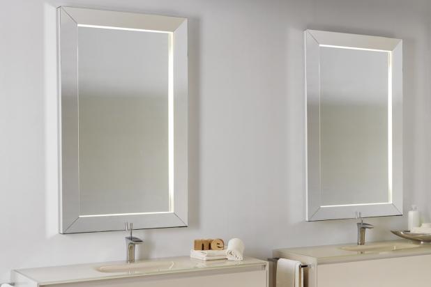 ISA bagno, Inside, specchi con luce