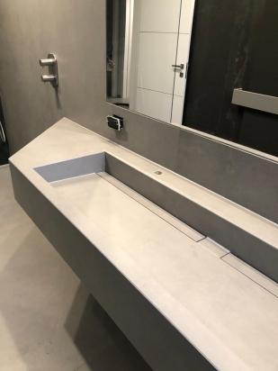 Piano Lavabo realizzato con canaline a scomparsa e lastra 160x320 Industrial Steel Floor Gres