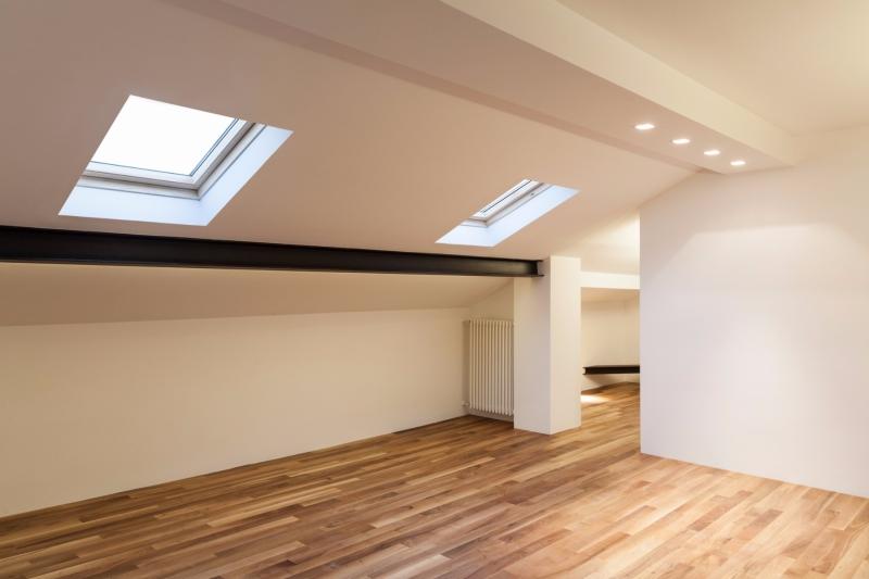 Finestre per tetti construction materials zeppi cav for Montaggio velux